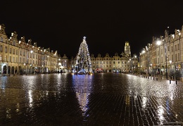 Grand-Place d'Arras et son Beffroi de nuit